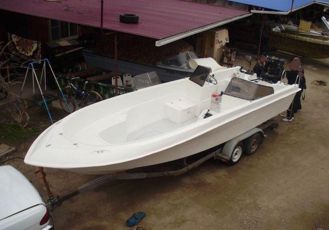 пластмассовая лодка касатка