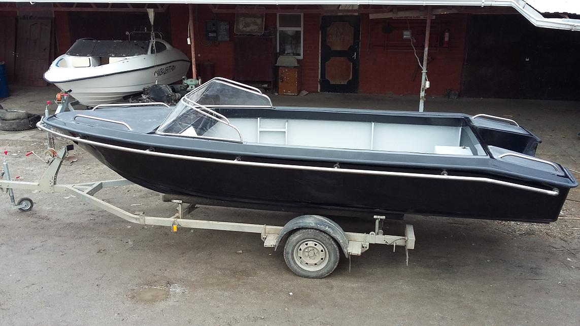 лодка тунец 580